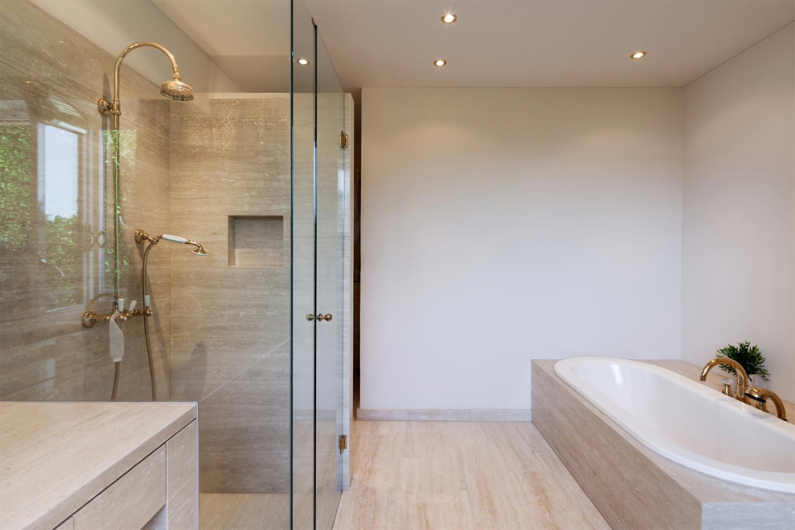 installation salle de bains paris saint quentin en yvelines ivry sur seine home bati services. Black Bedroom Furniture Sets. Home Design Ideas